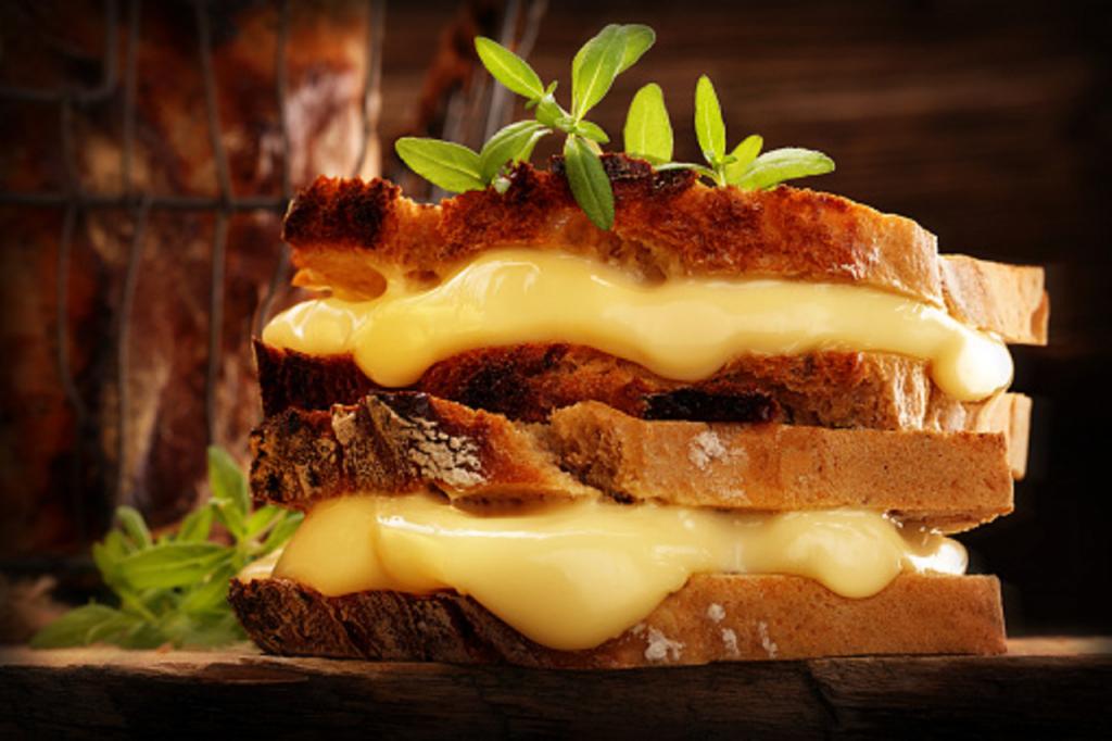 Sandwich à grains entiers au fromage Harz